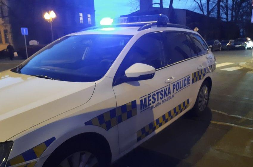 Opilý muž v Mladé Boleslavi napadal kolemjdoucí ženy