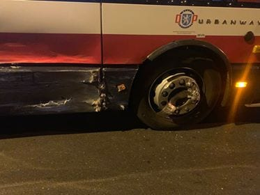 Dopravní nehoda autobusu MHD a dodávky v Mladé Boleslavi