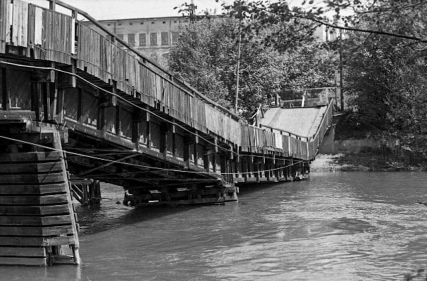 Zhroucený čejetický most