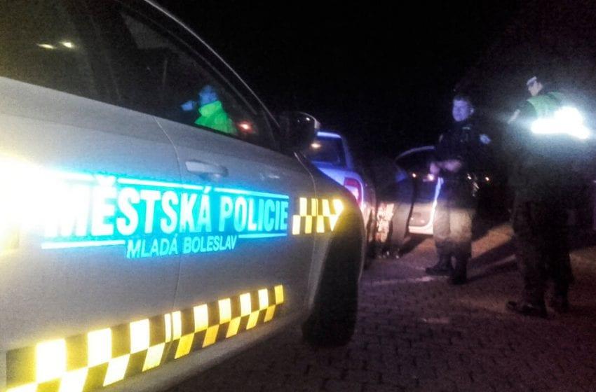 Fyzické napadání na benzínce ohlásil strážníkům taxikář
