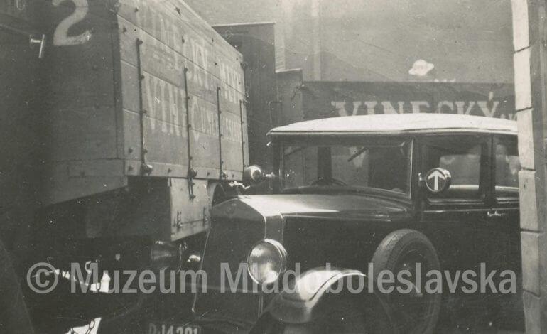 Prvorepubliková MB – automobily v ulicích