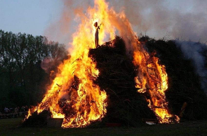 Hasiči vyzývají občany, aby pálení čarodějnic odložili
