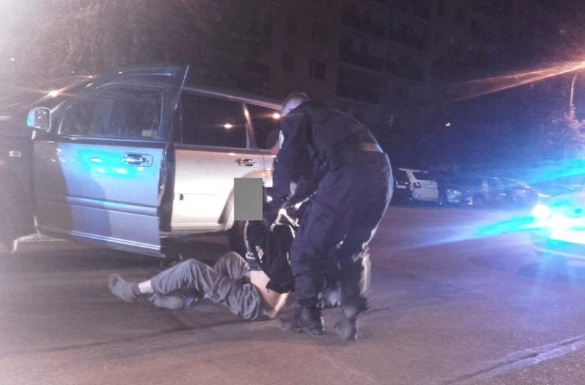 Proti strážníkům se v protisměru vyřítil opilý řidič. Potom se snažil ujet.