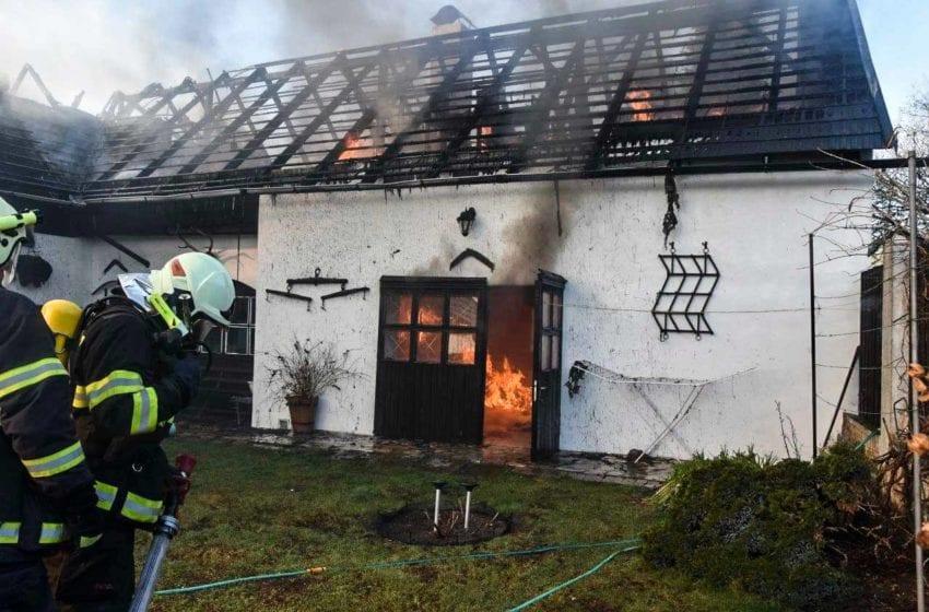 Požár penzionu v Českém ráji způsobil škodu za osm milionů korun