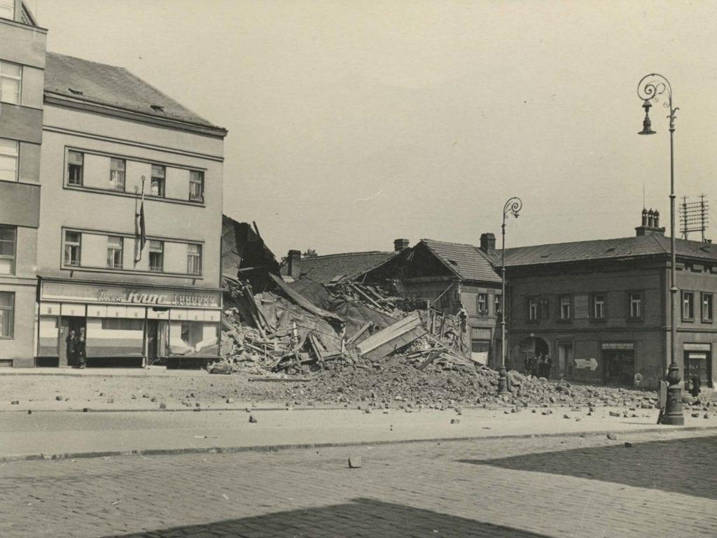 Bombardování Mladé Boleslavi 1945 nám. Míru