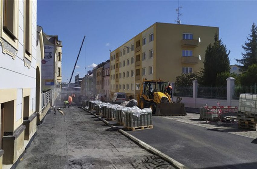 V Palackého ulici skončila první etapa rekonstrukce. Dolní část bude uzavřena