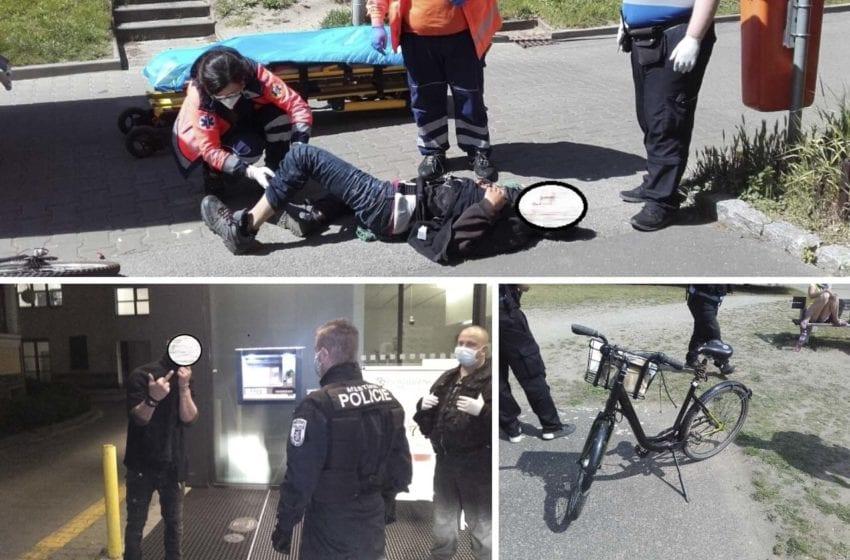 Strážníci řešili agresivní opilce, přestříkané Rekolo nebo hada v bazénu