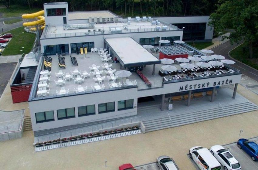 Městský krytý bazén v Mladé Boleslavi opět obnovil provoz