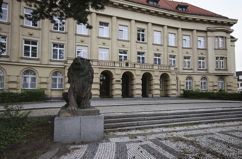 Soud vyhostil cizince, který v Mnichově Hradišti pozoroval děti a onanoval