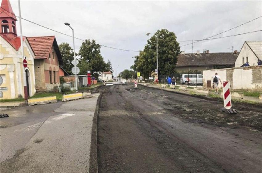 Kvůli rekonstrukci je uzavřena Pražská ulice v Bezděčíně