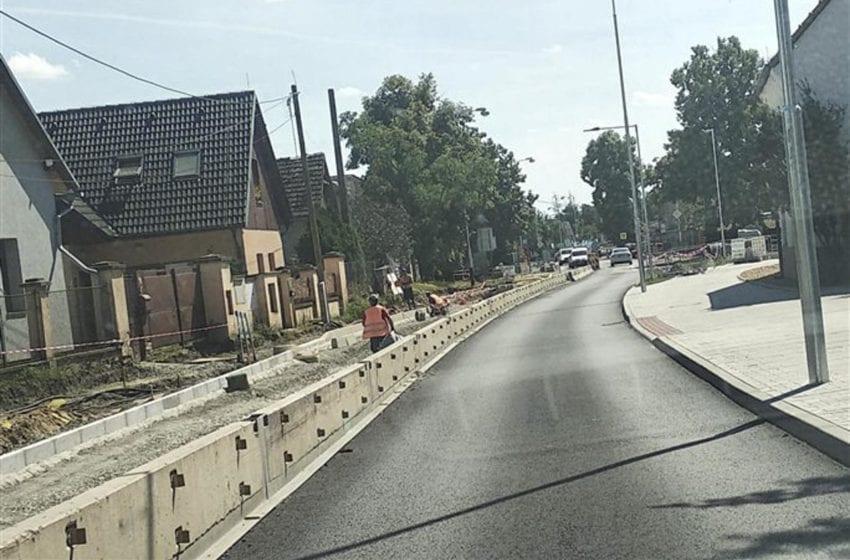 Část Pražské ulice v Bezděčíně se na několik měsíců zcela uzavře
