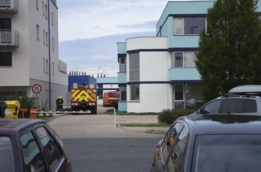 Hasiči zasahovali u požáru v prádelně na sídlišti v Mladé Boleslavi
