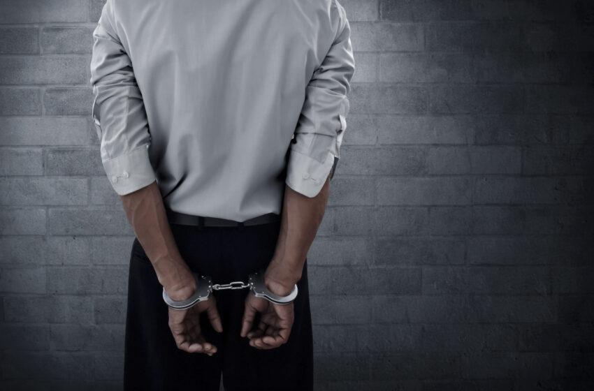 Policisté zadrželi v Obrubech muže, byl povolán i pyrotechnik
