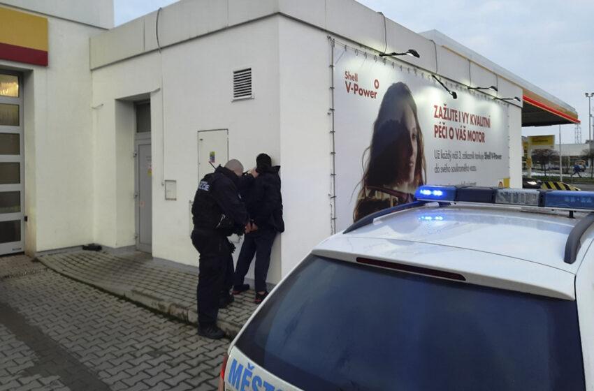 Cizinec bez povolení k pobytu se snažil utéct městské policii