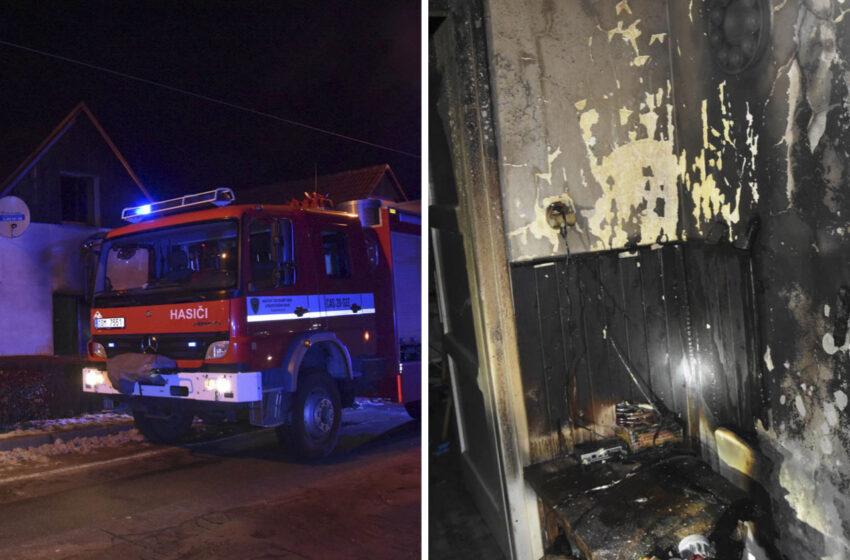 Hasiči v sobotu zasahovali u dvou požárů rodinných domů na Mladoboleslavsku