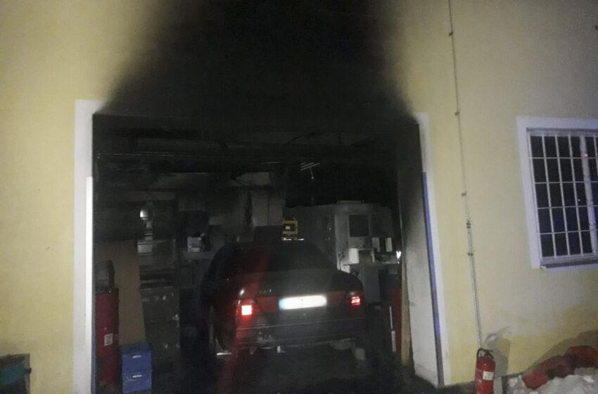 Na Mladoboleslavsku hořelo ve výrobní hale. Škoda je 50 milionů korun