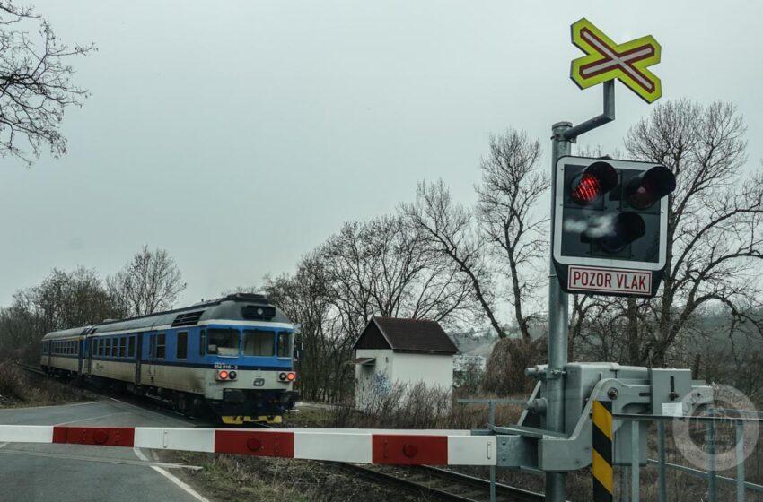 Vlak v Mladé Boleslavi srazil a usmrtil člověka