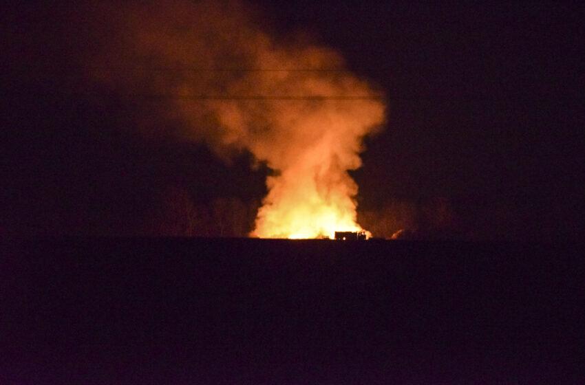 Žhář u Bělé pod Bezdězem v noci zapálil stoh