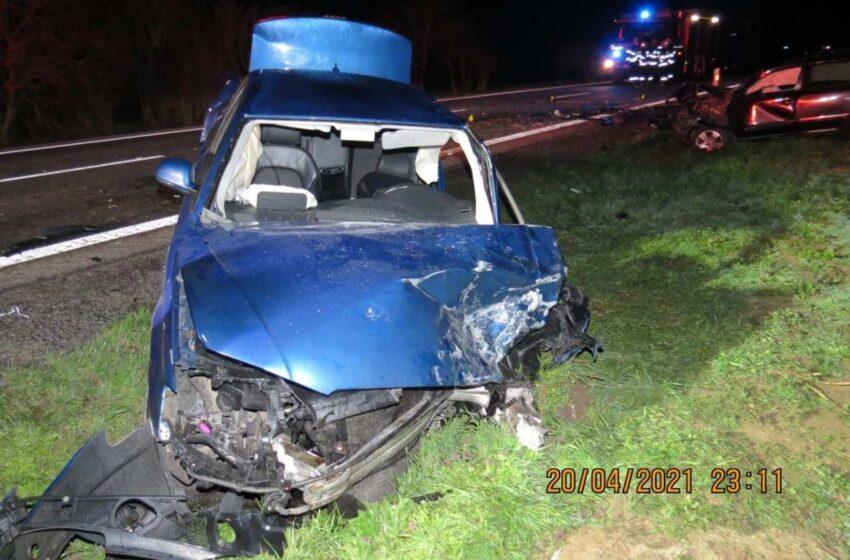 Dopravní nehoda u Bezna si vyžádala několik zraněných
