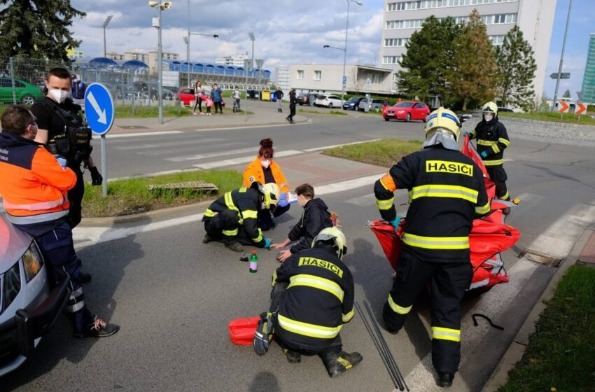 Ekologické aktivistce, která v Mladé Boleslavi blokovala provoz, hrozí pokuta