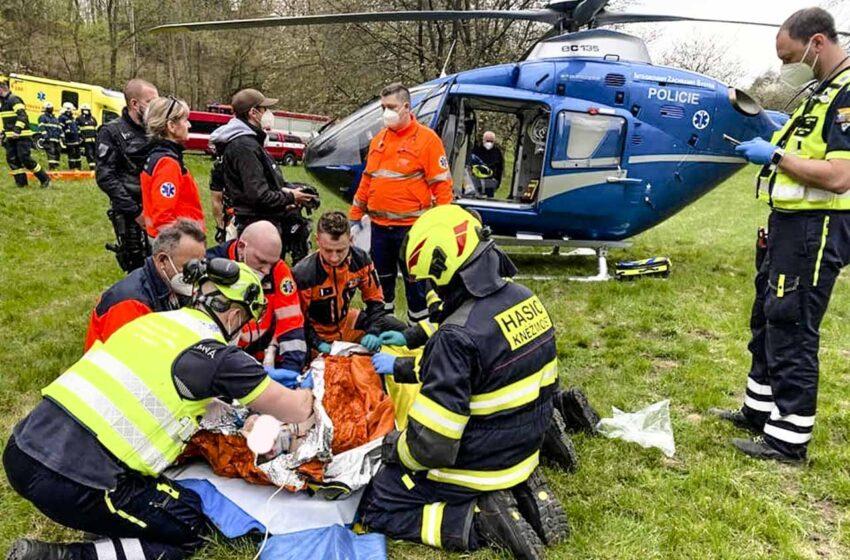 U Valečova se zřítil ze skály muž, kromě záchranářů byli přivoláni lezci