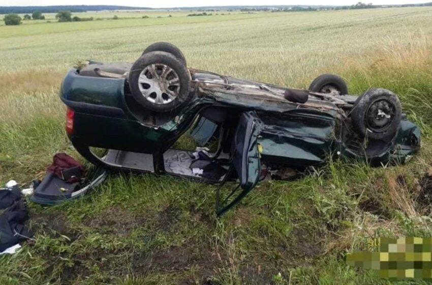 Šest zraněných, žena zaklíněná pod vozem při nehodě na Mladoboleslavsku