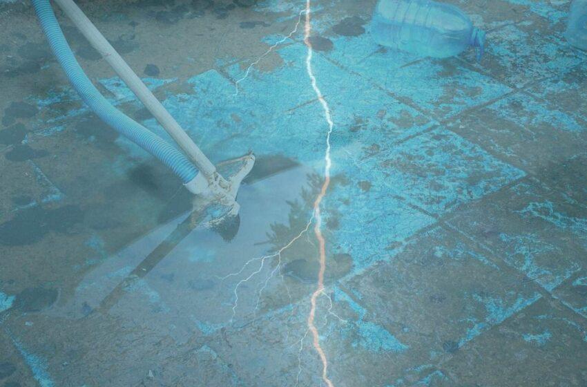 Elektrický proud zranil na Mladoboleslavsku dva lidi při čištění bazénu