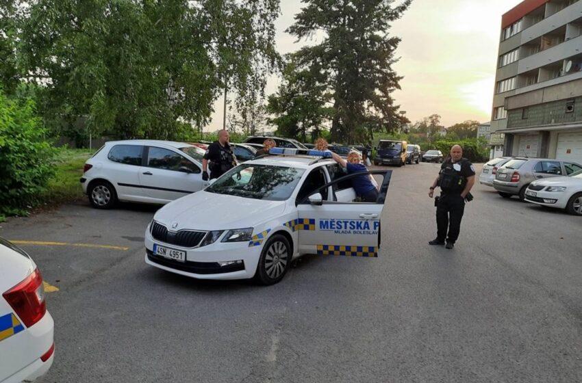Strážníci i policisté zasahovali u rvačky v Mladé Boleslavi