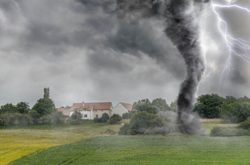 Středočeský kraj i města, včetně Mladé Boleslavi, pomohou obcím zasaženým tornádem