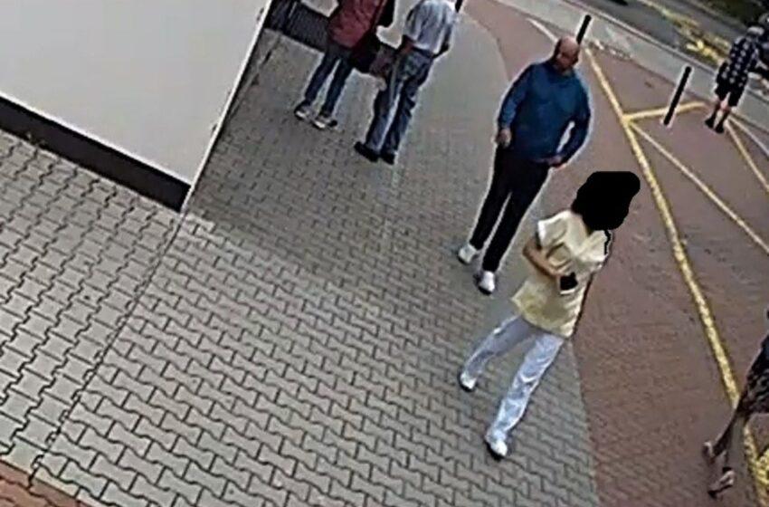 Policie řeší krádež peněženky. Poznáte muže na fotografii?