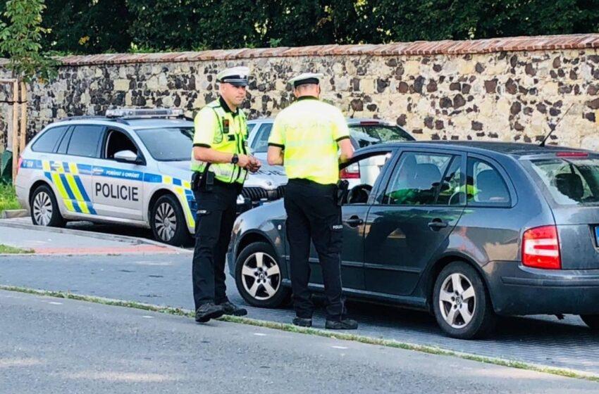 Policisté se v dopravně bezpečnostní akci zaměřili na mobilní telefony