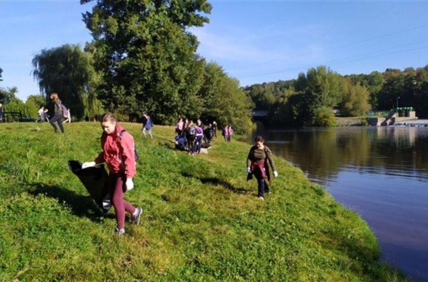 V Mladé Boleslavi proběhla úklidová akce Čistá řeka Jizera